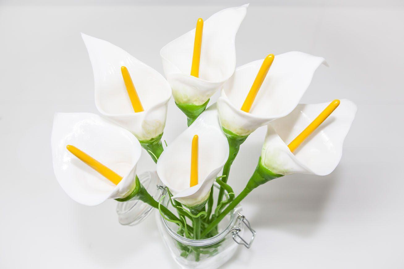 flores-blancas-calas.jpg
