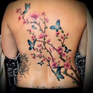 tatuajes flores y mariposas